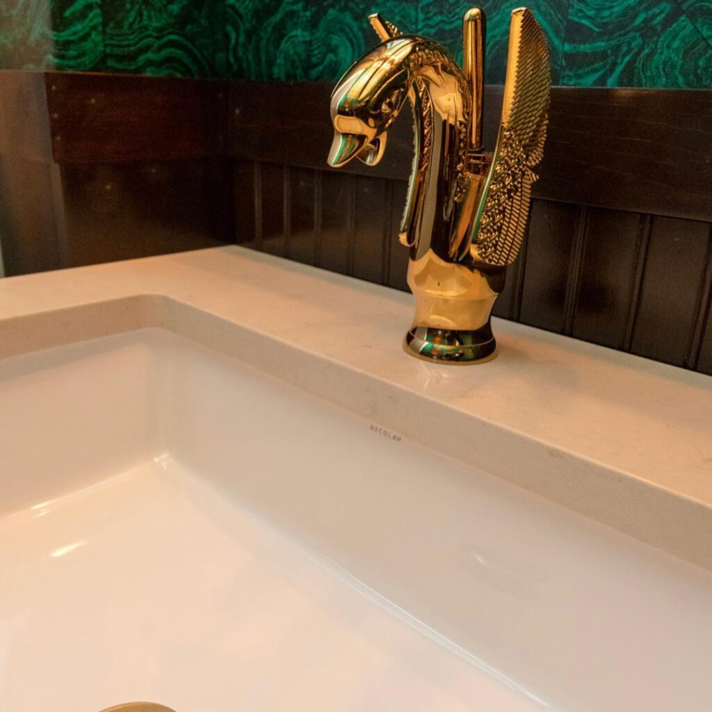 ก๊อกทองเหลืองขึ้นเคาร์เตอร์รูปหงส์น้ำร้อนเย็น
