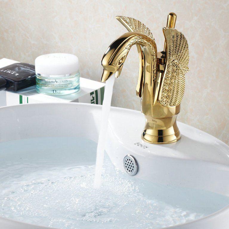 ก๊อกรูปหงส์ทองเหลืองขึ้นเคาน์เตอร์น้ำร้อนและน้ำเย็น