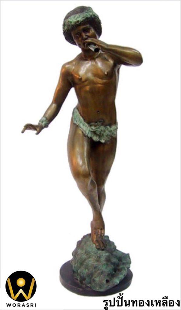 รูปปั้นทองเหลือง สไตล์โรมันรมดำเขียวผู้ชายเป่าแตร